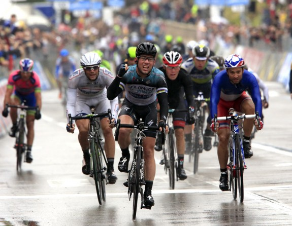 Giro d'Italia - Cav Hits The Ton