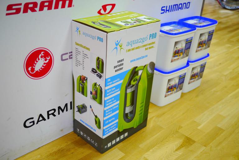 Aqua2go portable pressure washer