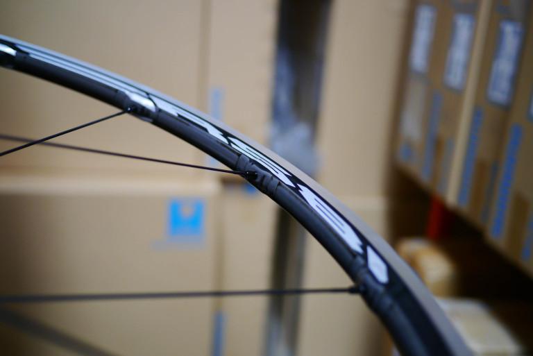 Shimano RS81 C24 Carbon Laminate wheels