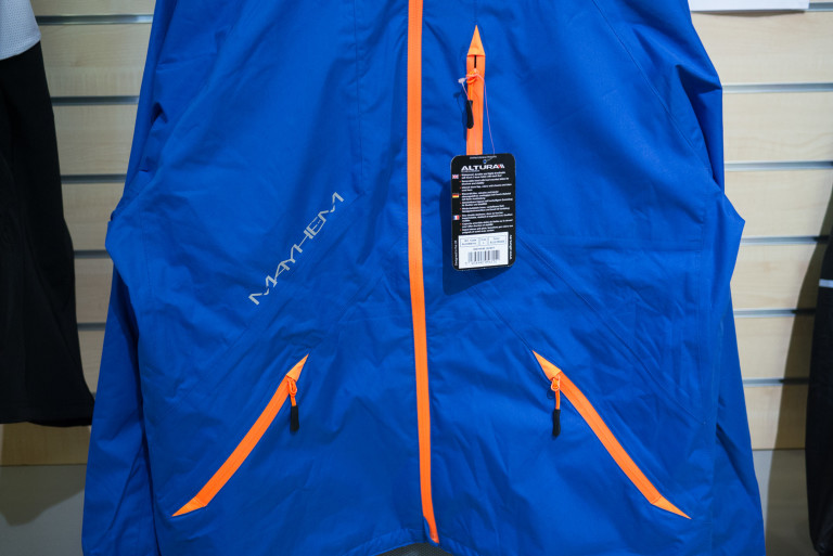 altura mayhem jacket pockets