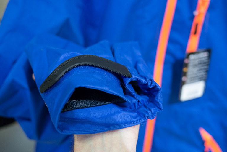 altura mayhem jacket adjustable cuffs