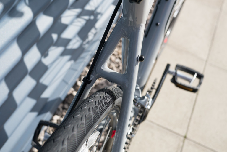 2016 felt v100 gravel adventure bike tyre clearance