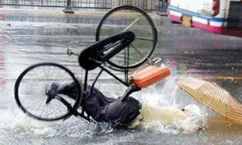 cycling-in-the-rain2