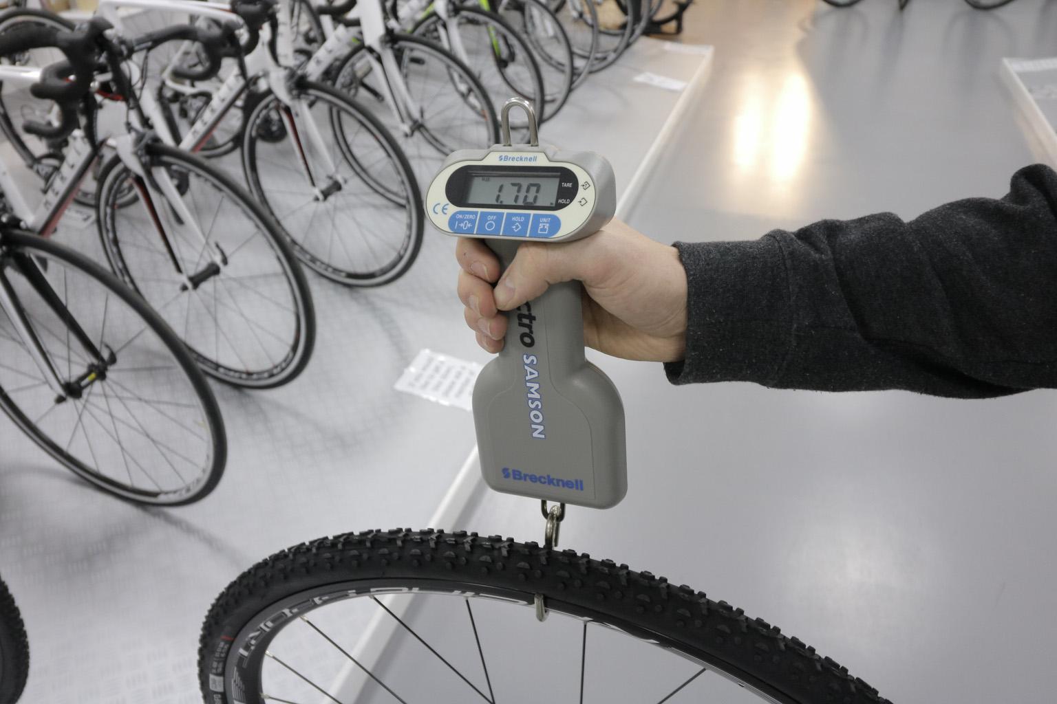 bike wheel weighing